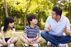 'Bố trò chuyện với bé' gắn kết tình cha con và giúp trẻ phát triển trí não