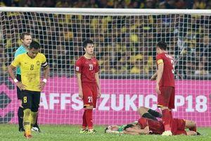 Hòa 2 - 2, sao Việt và cộng đồng mạng liên tục động viên các cầu thủ