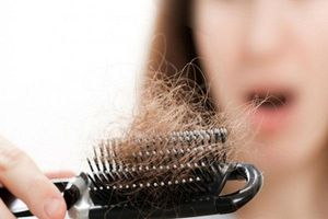 Tạm biệt hiện tượng rụng tóc sau sinh bằng 5 nguyên liệu đơn giản tại nhà