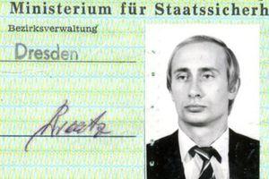 Điện Kremlin bình luận về 'thẻ điệp viên Stasi' của ông Putin tại Đức