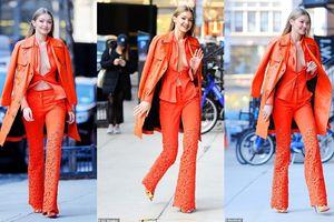 Gigi Hadid khoe vóc dáng khi 'thả rông' và diện cả 'cây' cam sành điệu