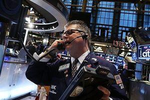 Ông Trump lại khiến giới đầu tư giật mình