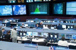 Mệt mỏi vì bị các fan của người sắt Tony 'khủng bố', NASA đã đáp ứng yêu cầu giải cứu Iron Man?