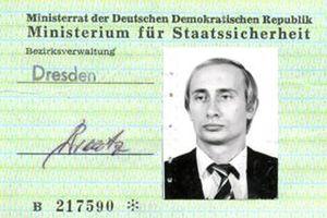 Phản ứng của Điện Kremlin về 'tấm thẻ Stasi' của ông V.Putin