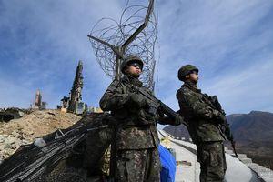 Hàn Quốc tranh luận về việc đối xử với người từ chối nhập ngũ