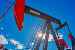 Thất vọng với số liệu nguồn cung, nhà đầu tư bán dầu