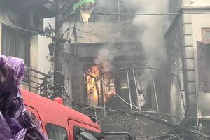 Hà Nội: Cháy quán karaoke 4 tầng trong ngõ nhỏ ở quận Hoàn Kiếm