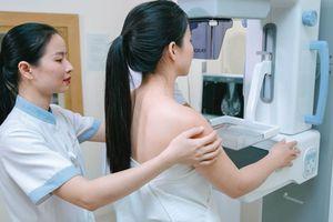 Cách phát hiện sớm bệnh ung thư vú chị em nào cũng cần biết