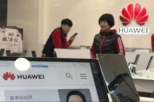 Người Trung Quốc ùn ùn kêu gọi tẩy chay iPhone vì Huawei