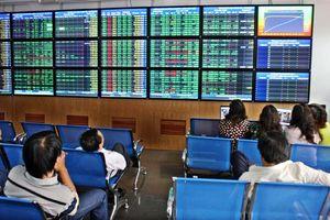 TTCK 13/12: Nhà đầu tư nên ưu tiên canh bán cổ phiếu khi thị trường tăng đến các ngưỡng cao hơn