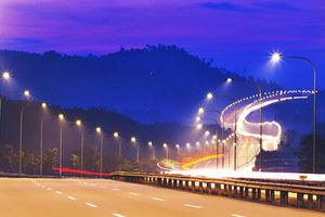 Chiếu sáng đô thị, VN đang ở đâu trên thế giới? (Bài 1): Khi đèn đường vẫn cố định giờ bật tắt