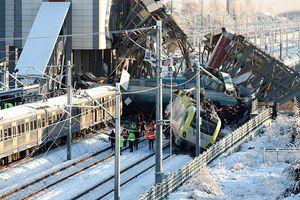 Thổ Nhĩ Kỳ: Tàu cao tốc va vào đầu máy khiến 7 người thiệt mạng