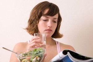 Thói quen ăn uống khiến bạn già đi 15 tuổi lại dễ mắc bệnh