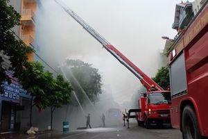 Diễn tập phương án chữa cháy và cứu nạn, cứu hộ tại chợ Vĩnh Yên