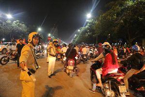 Người hâm mộ cổ vũ đội tuyển Quốc gia Việt Nam cần đi những đường nào để tránh ùn tắc?