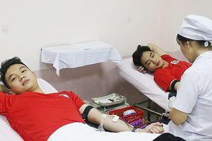 Trao giải 'Giọt hồng' tri ân người hiến máu tình nguyện
