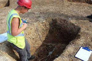 Phát hiện bộ hài cốt chiến binh từng bị đào lên để 'giết lần hai'
