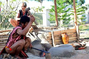 Sắc màu văn hóa các dân tộc rực rỡ bên sông Đắk Bla