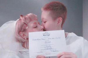 Con gái rơi của Thành Long phản ứng trước thông tin nhận trợ cấp từ anh trai cùng cha khác mẹ