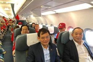 Ông Nguyễn Lân Trung lên tiếng về hình ảnh 'quấn Quốc kỳ ngang hông'