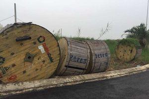 Hà Nội: Đầu tư tiền thuê xe cẩu đi trộm cáp điện 270 triệu trước cổng Ủy ban