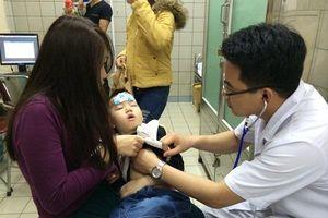 Bác sĩ bật mí bí kíp phòng bệnh đường hô hấp cho trẻ vào mùa đông