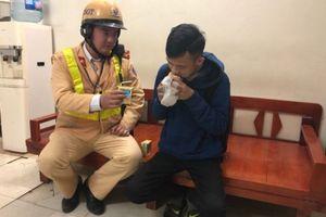 Thanh niên dân tộc Ê đê mất trộm được CSGT Hà Nội giúp đỡ