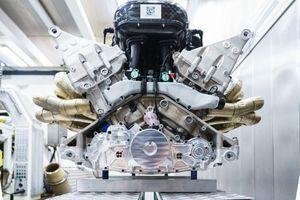 Aston Martin Valkyrie động cơ V12 ra mắt với công suất 'khủng'