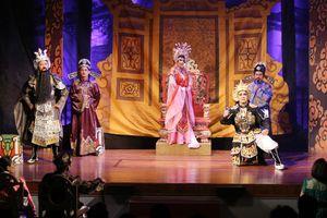 400 nghệ sĩ xuống phố kỷ niệm 100 năm nghệ thuật sân khấu cải lương