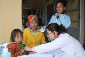 Tấm lòng của các y bác sỹ Thủ đô đến với bà con vùng cao