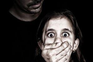 Hành vi dâm ô nam sinh bị xử lý thế nào?