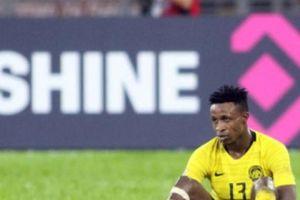 AFF Cup: 'Ngoại binh' Malaysia kêu gọi đồng đội bắt chết Quang Hải