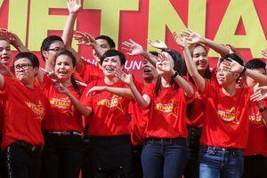 100 văn nghệ sĩ tham gia hát cổ vũ bóng đá Việt Nam