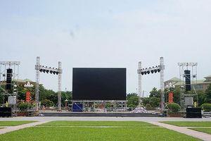 Dựng màn hình 'khổng lồ' ở quảng trường cho CĐV xem chung kết AFF Cup