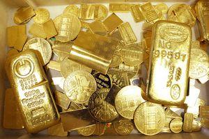 Giá vàng giảm khi đồng USD tăng giá mạnh