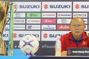 Chung kết AFF Cup 2018: Trước trận chiến cuối cùng, thầy trò Park Hang-seo nói gì?