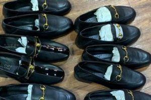 Công khai bán giầy dép giả mạo nhãn hiệu nổi tiếng