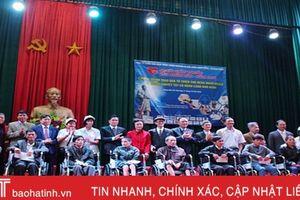 Hội Giáo dục CSSK Việt Nam tặng 200 suất quà cho người nghèo Hương Sơn