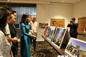 Tranh sơn mài và ảnh nghệ thuật Việt Nam đến với công chúng Australia