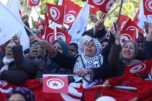 Xuất hiện phong trào 'Áo đỏ' tại Tunisia