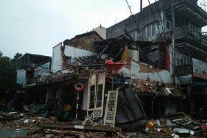 TP.Huế: Sập nhà trong đêm, hai người may mắn thoát chết