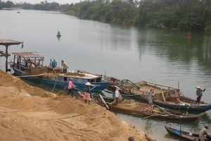Lâm Đồng: Khai thác cát gây sạt lở, thu hồi hàng loạt giấy phép