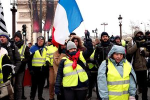 Pháp: Biểu tình 'Áo vàng' bước sang tuần thứ 5