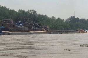 Đồng Nai: Khởi tố đối tượng nhiều lần khai thác cát trái phép trên sông
