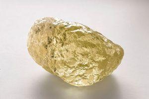 Kim cương vàng to bằng trứng gà lập kỷ lục tại Bắc Mỹ