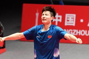 Thắng dễ Momota, sao trẻ Trung Quốc vô địch giải 'Bát hùng'