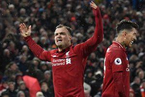 Đè bẹp MU, Liverpool trở lại ngôi đầu bảng Premier League
