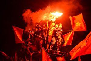 Việt Nam vô địch AFF Cup: 'Mùa xuân của bóng đá Việt Nam đến rồi!'