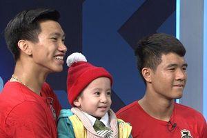 Status xúc động nhất sau khi Việt Nam vô địch của Quang Hải, Văn Hậu gửi tới cậu bé 4 tuổi bị ung thư