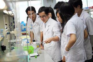 Bàn giải pháp nâng cao chất lượng ngành Y